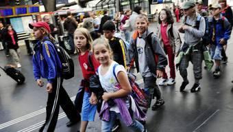 Wie viel Geld man von Eltern für Schullager verlangen darf, bleibt nach dem Bundesgerichtsurteil unklar. (Symbolbild)