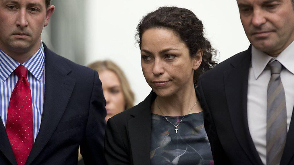 Team-Ärztin Eva Carneiro auf dem Weg zum Gerichtstermin