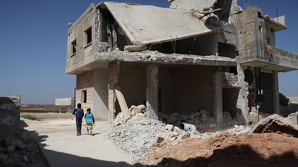 UN: Mehr als 350 000 Tote in zehn Jahren Syrienkrieg
