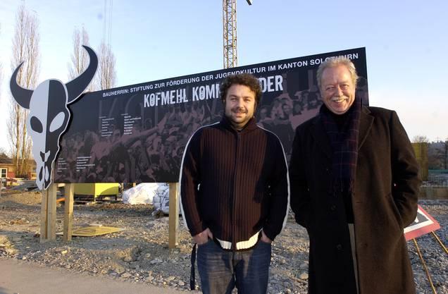 Pipo Kofmehl und Rolf Studer im November 2004 vor der  Kulturfabrik im Bau.