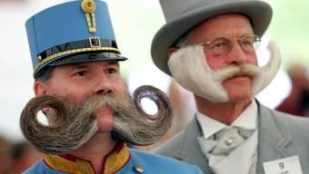 In Genf wird ein alter Zopf abgeschnitten: Die Polizisten dürfen auch hier bald ihren Bart spriessen lassen. (Symbolbild)