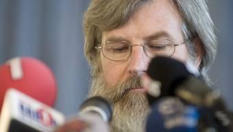 Max Göldi an einer Pressekonferenz nach seiner Freilassung aus der libyschen Geiselhaft (Archiv)
