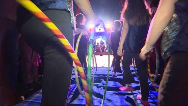 Grosser Zirkus von kleinen Leuten