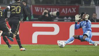 Ajax-Keepr Kenneth Vermeer kassiert das 0:1.