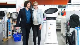 Nach Deutschland lanciert Media Markt Serviceroboter auch in der Schweiz.ho