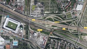 Vier Autos waren in den Unfall bei der Verzweigung Hagnau involviert.