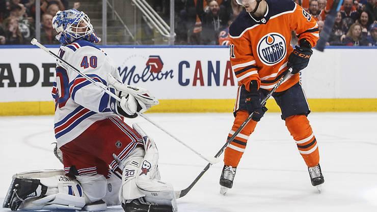 Kein Skorerpunkt, aber ein Sieg: Gaëtan Haas (re.) gewann mit den Edmonton Oilers an Silvester gegen die New York Rangers