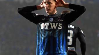 Lässt sich für sein 1:0 gegen Crotone feiern: Atalanta Bergamos Mittelfeldspieler Andrea Conti