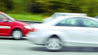 Bei Rothrist sollen zwei junge Männer ein illegales Autorennen gefahren sein. (Symbolbild)