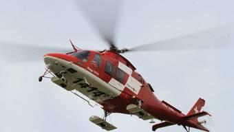 Ein Helikopter der REGA (Archiv)