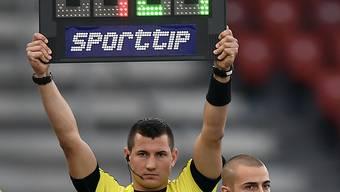 Mehr Wechseloptionen bedeuten auch mehr Arbeit für die Schiedsrichter.