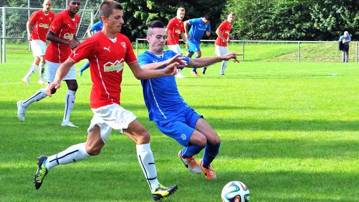 Im letzten Jahr musste Klus/Balsthal (hier mit Borislav Jankovic [rechts]) den Niederbippern noch den Vortritt. Klappt es heuer im dritten Anlauf innert weniger Jahre mit dem Aufstieg in die 2. Liga?