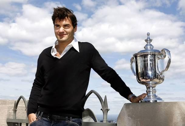 9) 2006 holt Federer den dritten US-Open-Titel in Serie. Andy Roddick muss sich mit 6:2, 4:6, 7:5, 6:1 geschlagen geben.