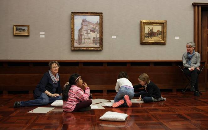 Kunstbetrachtung in der Langmatt muss nicht immer steif sein