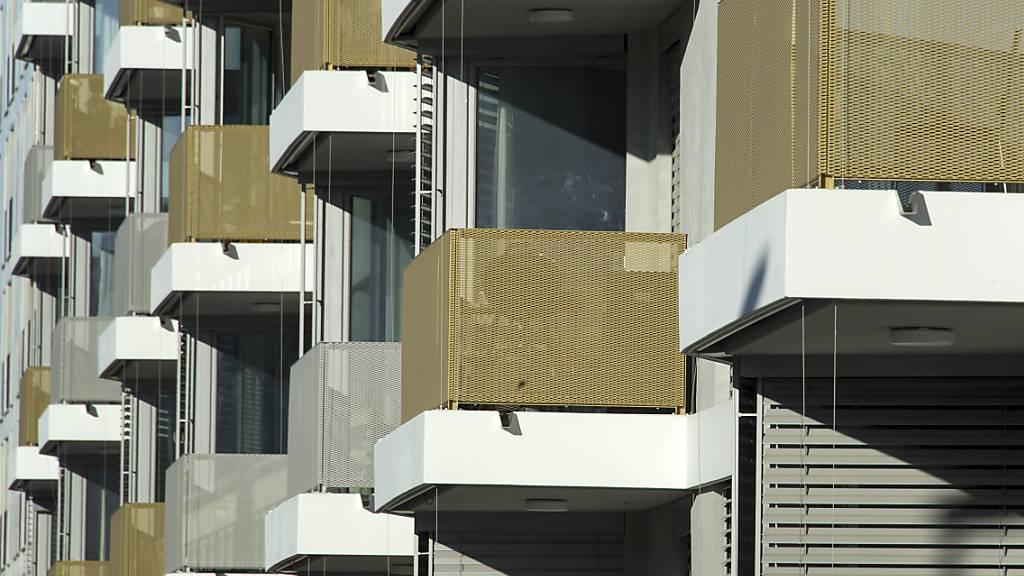 Wohnungsmieten haben sich in den vergangenen Monaten in der Schweiz wieder erhöht. (Arhcivbild)