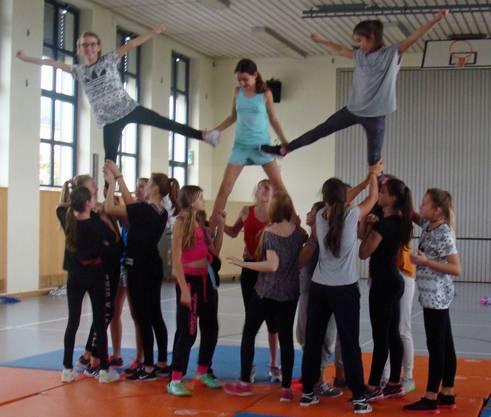 Colle Moves und Stunts in der Mädchenwoche.