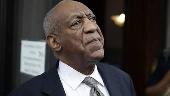 Bill Cosby hat den Anwalt angeheuert, der einst Michael Jackson aus seinem Kinderschändungsprozess raushaute. (Archivbild 15.8.)