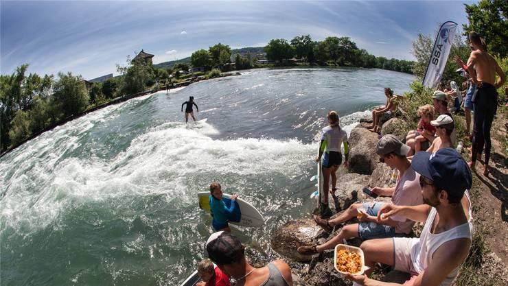 Der zweite Bremzgi River Surf Jam vom kommenden Sonntag soll zu einem Surf-Fest werden wie die erste Austragung vor einem Jahr. zvg