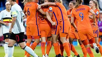 Siegesjubel beim Heimteam: Die niederländischen Frauen stehen bei der EM in den Viertelfinals