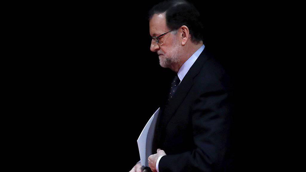 Der spanische Regierungschef Mariano Rajoy soll als Zeuge im Korruptionsprozess um seine Partei aussagen. (Archiv)
