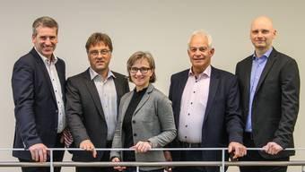 Eugen Voronkov (rechts) mit seinen Gemeinderatskollegen Daniel Suter (v.l.), Gunthard Niederbäumer, Susanne Gmünder und Christian Fricker. zvg