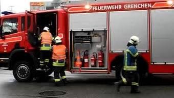 Die Feuerwehr Grenchen konnte den Brandherd im Untergeschoss lokalisieren. (Archiv)