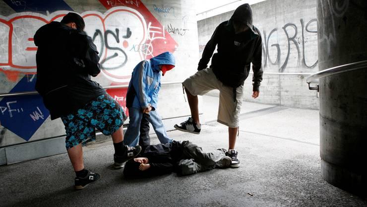 Die Anzahl der von Jugendlichen verübten Gewaltdelikte (gestellte Szene) hat 2013 wie in den Jahren zuvor abgenommen. Hanspeter BÄrtschi