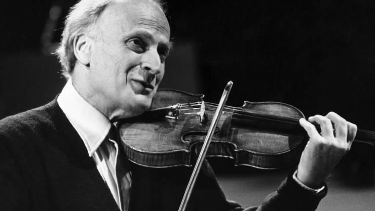 Yehudi Menuhin (1916-1999) hat mit seiner Geige die Welt der Musik erobert. In Gstaad im Berner Oberland gründete er 1957 sein Festival, das ihn mit einem Jubiläumsprogramm ehrt (Archiv)