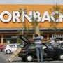 Der Baumarkt- und Baustoffkonzern Hornbach kämpft mit höheren Kosten. (Archiv)