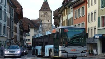 Lenzburg setzt Fuss in Aaraus Bus