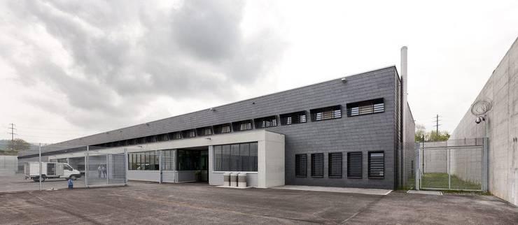 Die multifunktionale Vollzugseinrichtung des Zentralgefängnisses bietet 107 Zellenplätze und soll um 60 erweitert werden.