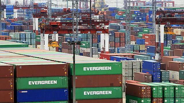 Container am Hafen von Shanghai