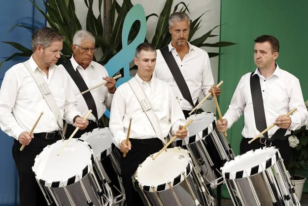 32. Aargauisches Kantonales Musikfest Ohren auf! Tambourengruppe Stadtmusik Mellingen bei der Arbeit.