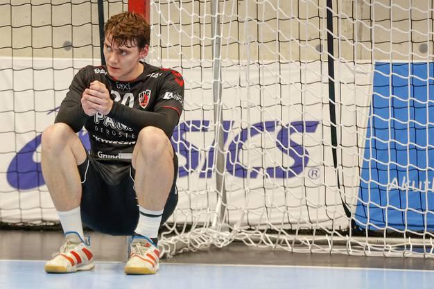 Enttäuschung bei HSC-Kreisläufer Lukas Laube, der zwei Mal erfolgreich in den Abschluss ging.