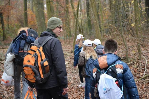 Lehrer Christian Grau begrüsst das Programm Baumwelten, da viele seiner Schüler selten an der frischen Luft sind