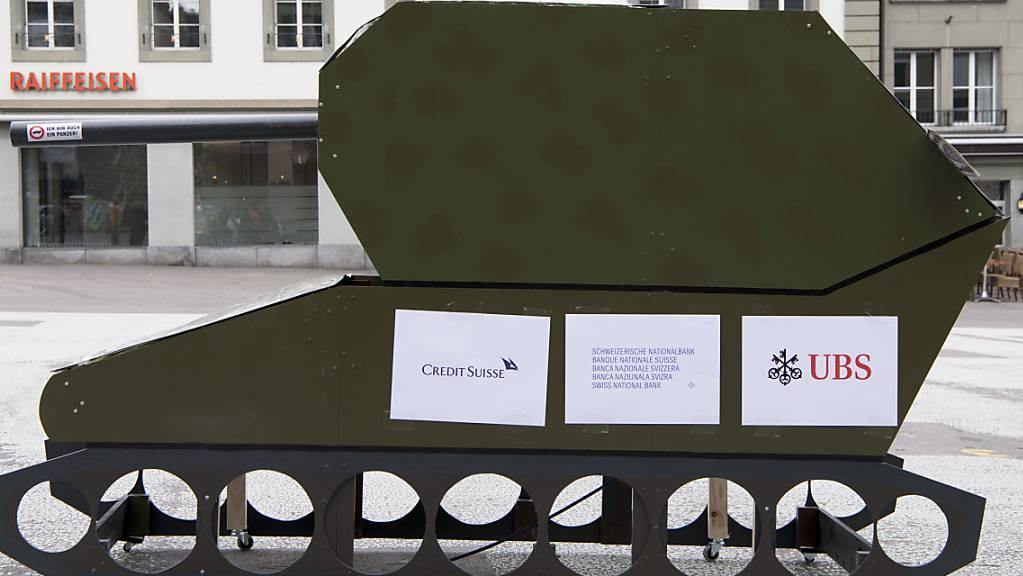 Das Schweizer Stimmvolk lehnt die Kriegsgeschäfte-Initiative ab. (Archivbild)