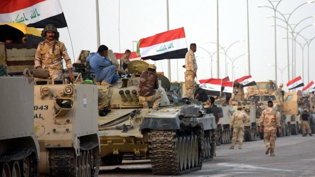 Einheiten des irakischen Militärs vor drei Tagen westlich von Falludscha