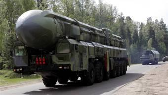 Russland modernisiert nicht nur seine Interkontinentalwaffen – im Bild eine Topol-M –, sondern entwickelt auch wieder Mittelstreckenraketen. KEYSTONE