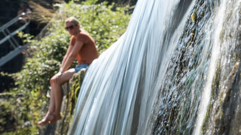 Kein Mythos: Neben sprudelnden Wasserfällen ist es weniger heiss.