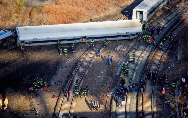 Vier Passagiere starben, Dutzende wurden verletzt