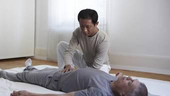 Shiatsu ist neu eine anerkannte Methode der Komplementär-Therapie (Themenbild).