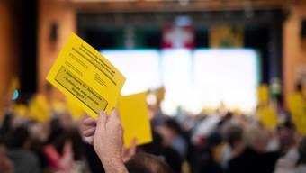 Die SVP verschiebt ihre Delegiertenversammlung. (Symbolbild)