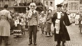 Plötzlich wurde Rudolph Mäglin selbst zum Sujet: «Dr Bolo vor em Richter», wie man ihn kannte – mit der Zeitung unter dem Arm.