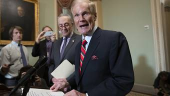 Der Demokrat Bill Nelson hat in der Nacht auf Montag seine Niederlage bei der Senatswahl im US-Bundesstaat Florida eingestanden und das Land zum Zusammenhalt aufgerufen.