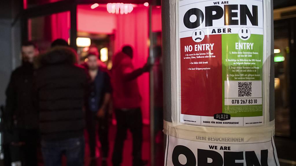 Gesundheitsdirektoren empfehlen Bars und Clubs Ausweis-Pflicht