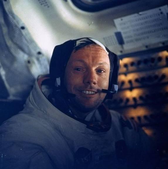 Er war der erste Mann auf dem Mond: Neil Armstrong.