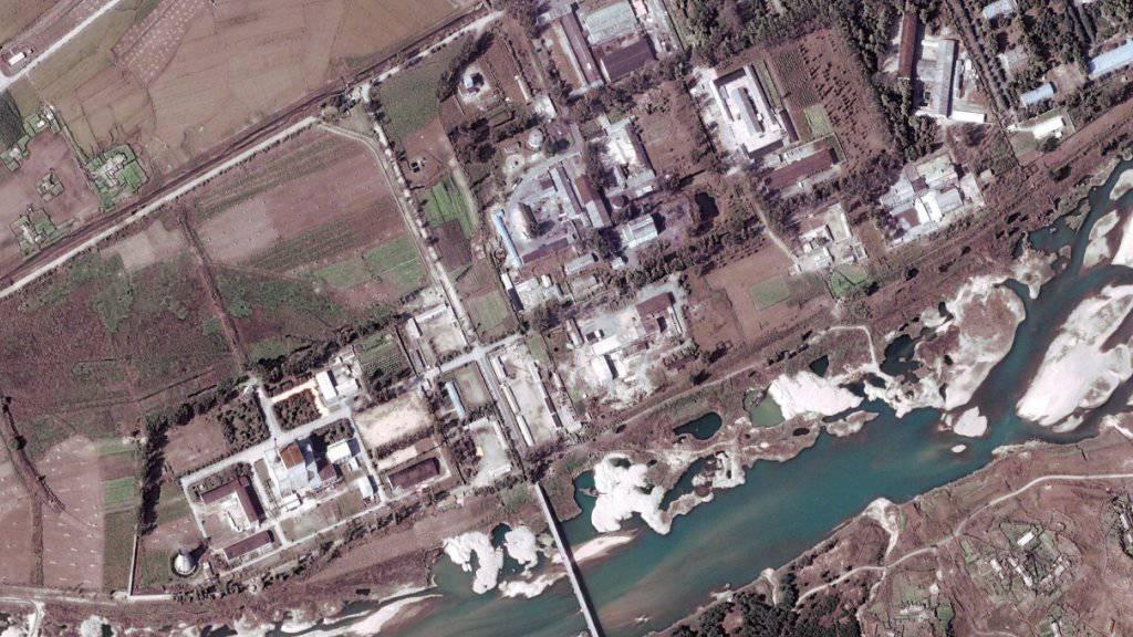 Luftaufnahme des Nuklearzentrums Yongbyon. Nordkorea könnte laut Experten den dortigen Atomreaktor wieder in Betrieb genommen haben. (Archiv)