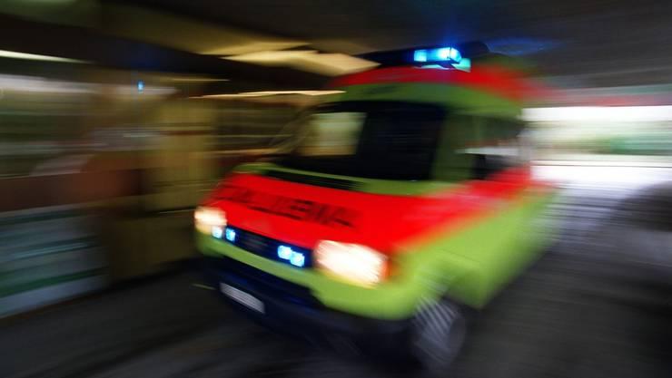 Eine Ambulanz im Einsatz (Symbolbild)