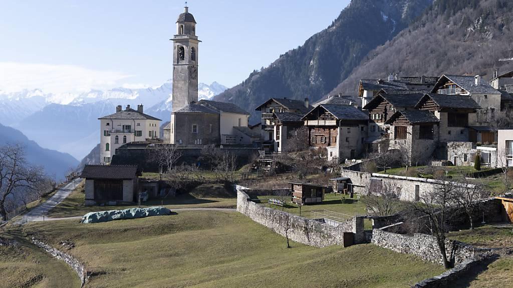 So ein Bergdorf ist etwas Schönes, es ist aber auch mit vielen Problemen konfrontiert: Blick auf Soglio GR. (Archivbild)