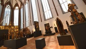 Nur eine von zahlreichen Baustellen im Historischen Museum: Weil in die Barfüsserkirche schon mehrfach Wasser eingedrungen ist, mussten Skulpturen von der Wand weg verschoben werden.